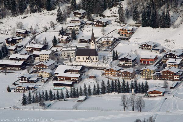 verschneites winterm rchen in pillerseetal bild von st jakob in haus bergdorf mit kirchl im schnee. Black Bedroom Furniture Sets. Home Design Ideas