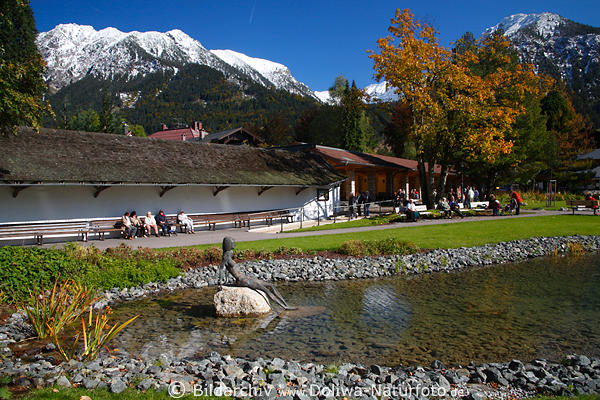 oberstdorf urlaub in bergen kurpark herbstpanorama foto touristen und alpen schneeblick. Black Bedroom Furniture Sets. Home Design Ideas