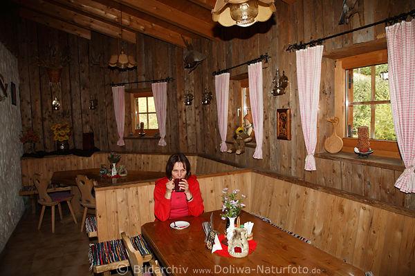 Stabanthütte gemütliche Stubennische in Holzverkleidung Foto mit ...