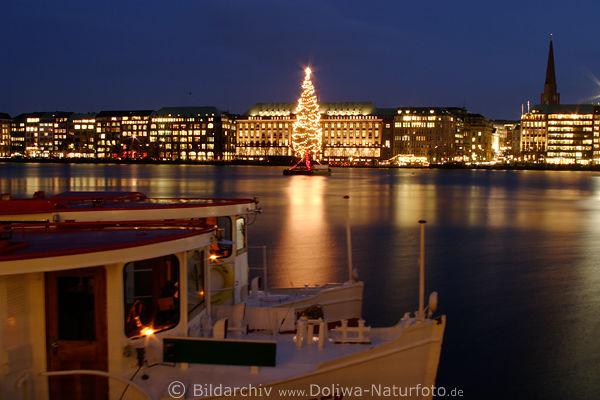 Hamburg Tannenbaum.Alster Schiff Tannenbaum Hamburg Wasserblick Adventzeit Lichter