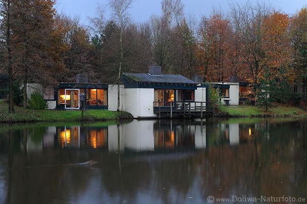 bungalow ferienhaus unterkunft foto in de eemhof center. Black Bedroom Furniture Sets. Home Design Ideas