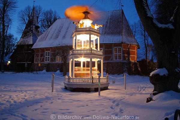 Weihnachtskrippe Im Schnee Vor Egestorf Kirche St