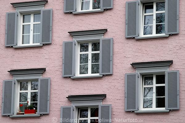 appenzell haus in rosa farben dichten fenstern grauen fensterladen auf hauswand in appenzellerland. Black Bedroom Furniture Sets. Home Design Ideas