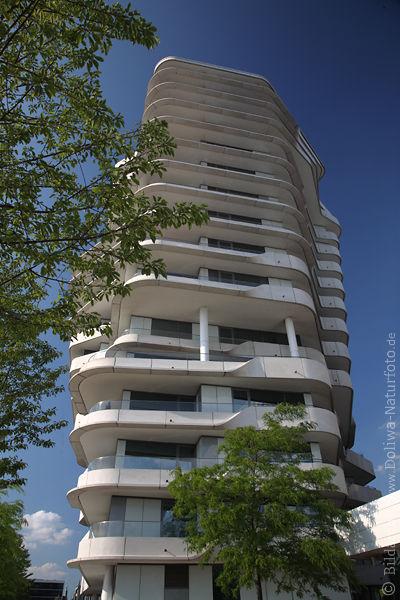 Marco polo tower stockwerke turm pyramide foto hochhaus for Moderne architektur hamburg